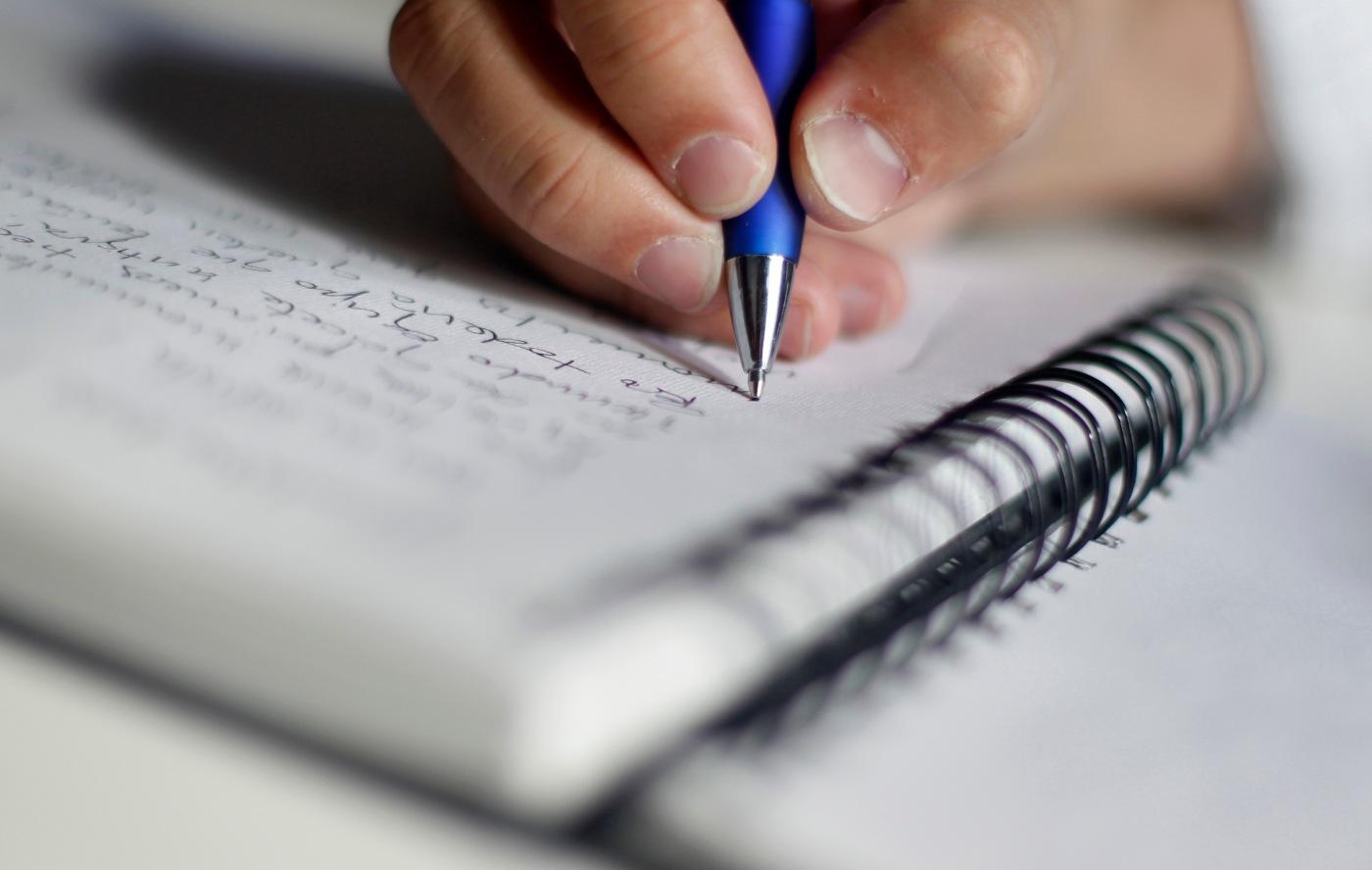 Por dónde empezar a escribir un CV? – Coaching Virtual